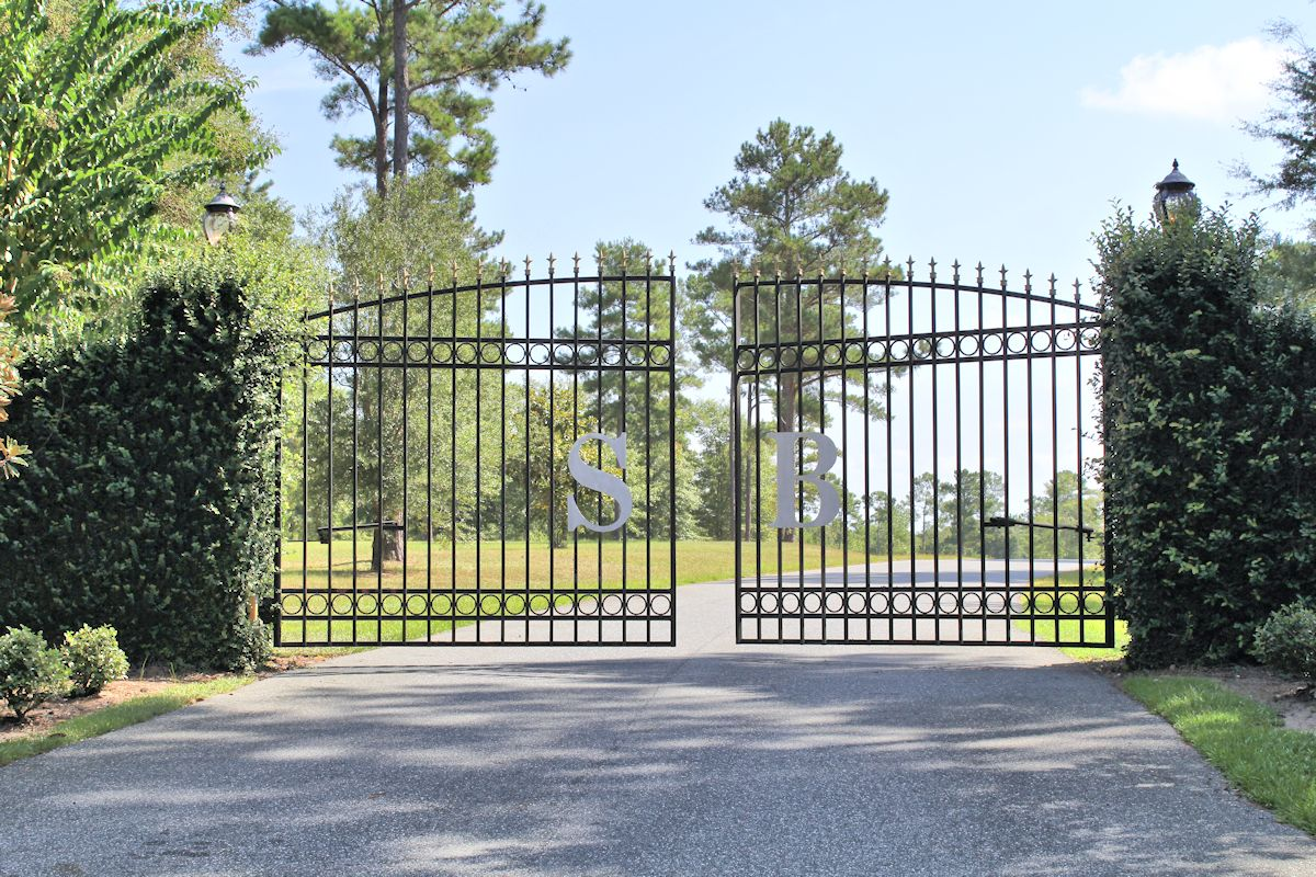 San Bonita Farms Equestrian neighborhood with gated entry